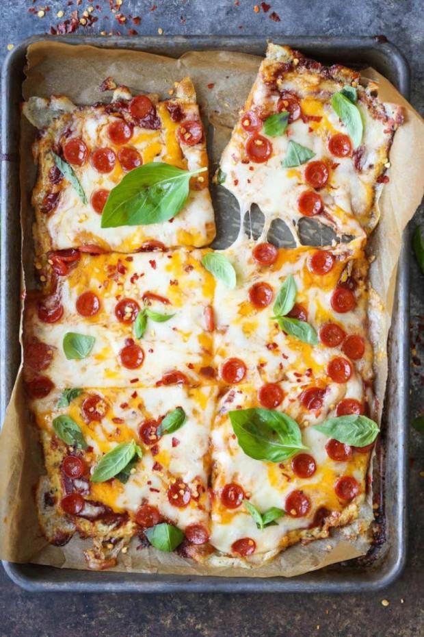 4. Karnabahar eklenmiş karışık pizza