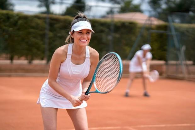 1- Tenis 30 dk: 300 kalori