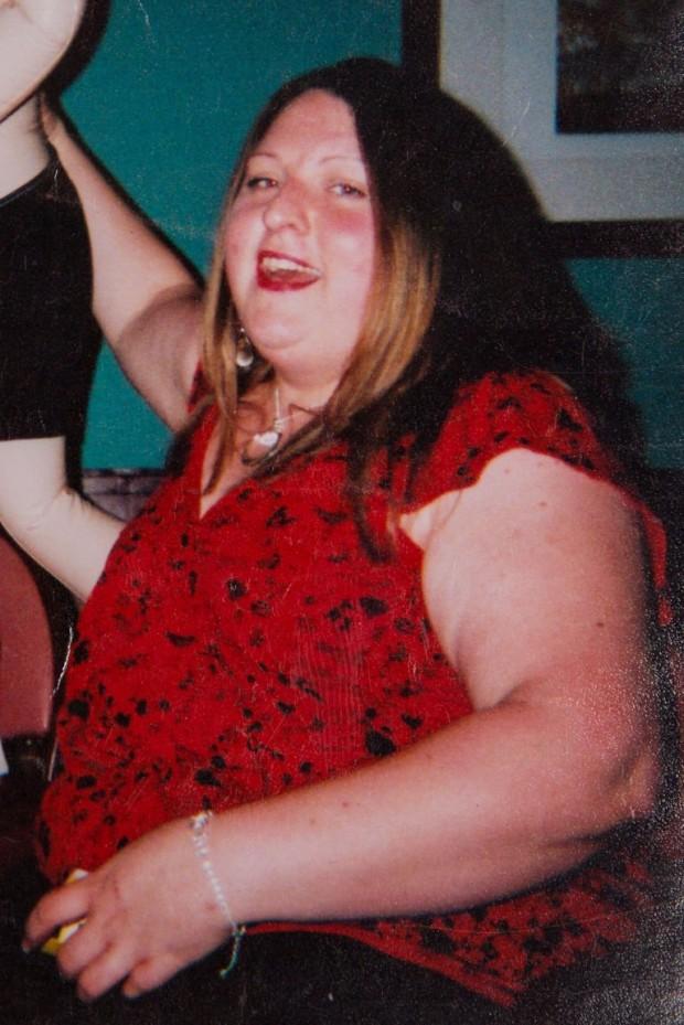Faye 2004'te sevdiği adam olan Kevin'den evlilik teklifi alıyor
