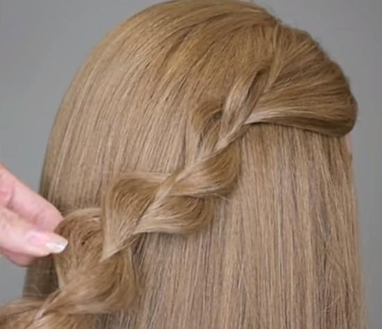 10. Yine yanlardan saçları biraz çıkarıyoruz. Böylece örgümüz daha kalın görünüyor.