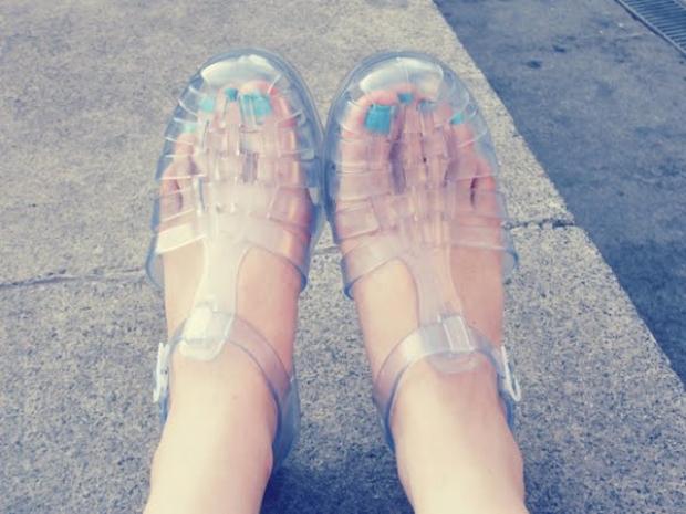10. Yazın olmazsa olmazı ''Jelibon Ayakkabılar''