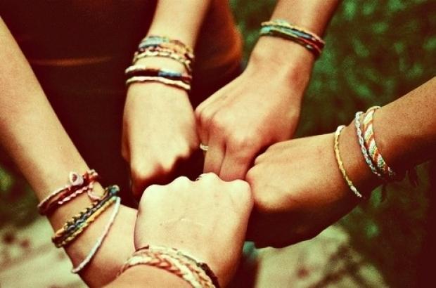 10. Çekingen gibi dursa da sosyaldir, beraber her ortama girebilirsiniz.