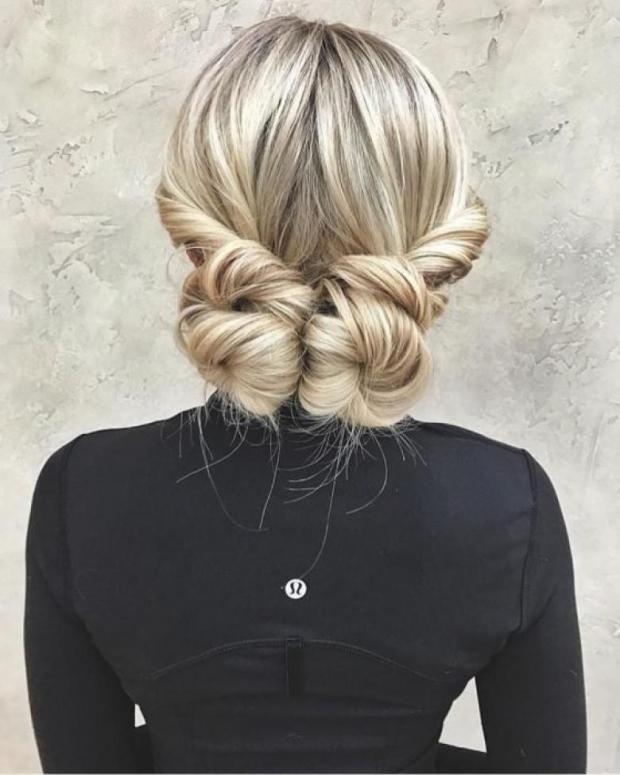 10. Yapımı basit olsa da görüntüsü şahane olan zarif bir saç modeli..